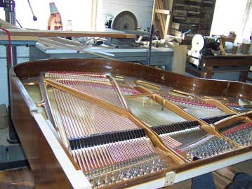 Piano_repair_soundboard_pinblock_1.jpg
